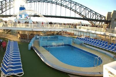 cruise_boat_pool2